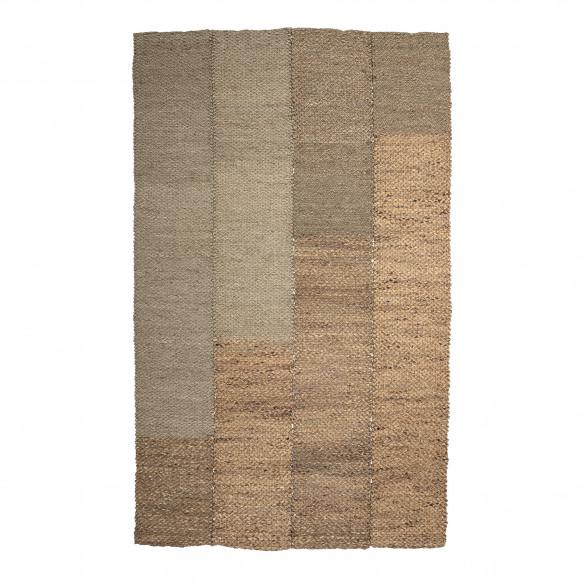 Enzov tæppe fra Bloomingville. 245x150 cm. Lavet i søgræs.